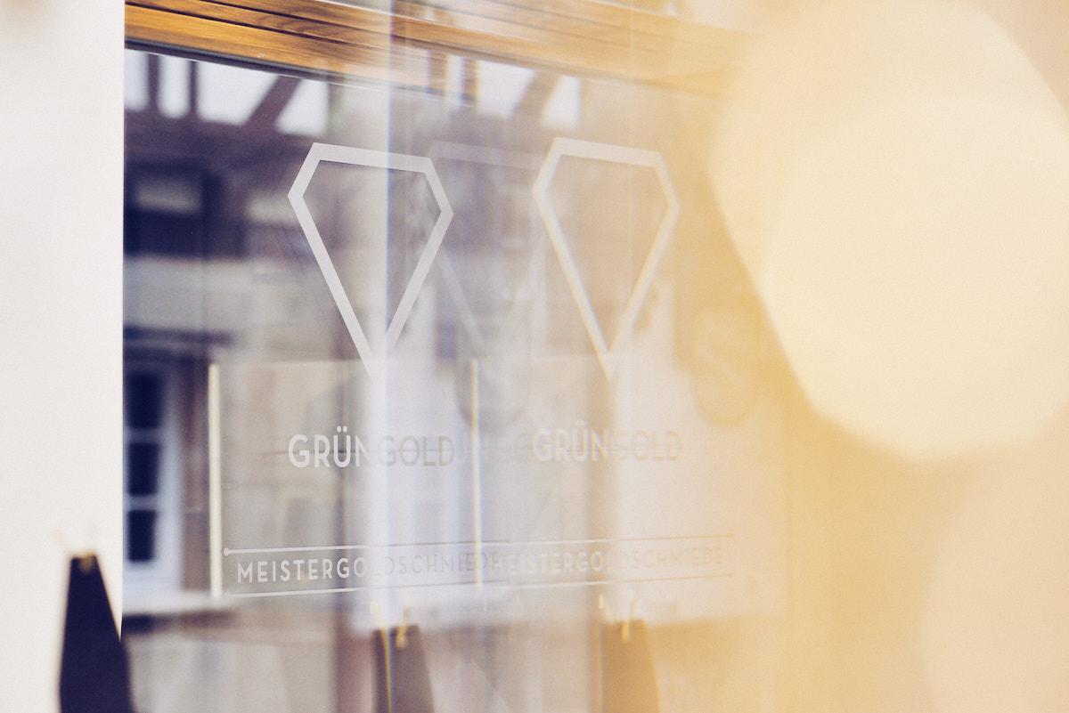 goldschmied_fotograf_tuebingen_manufaktur_detail_spiegelbild