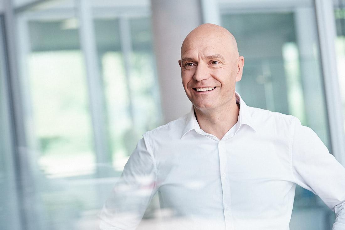 Fotograf für lebendige und authentische Business Portrait in Schorndorf, Stuttgart