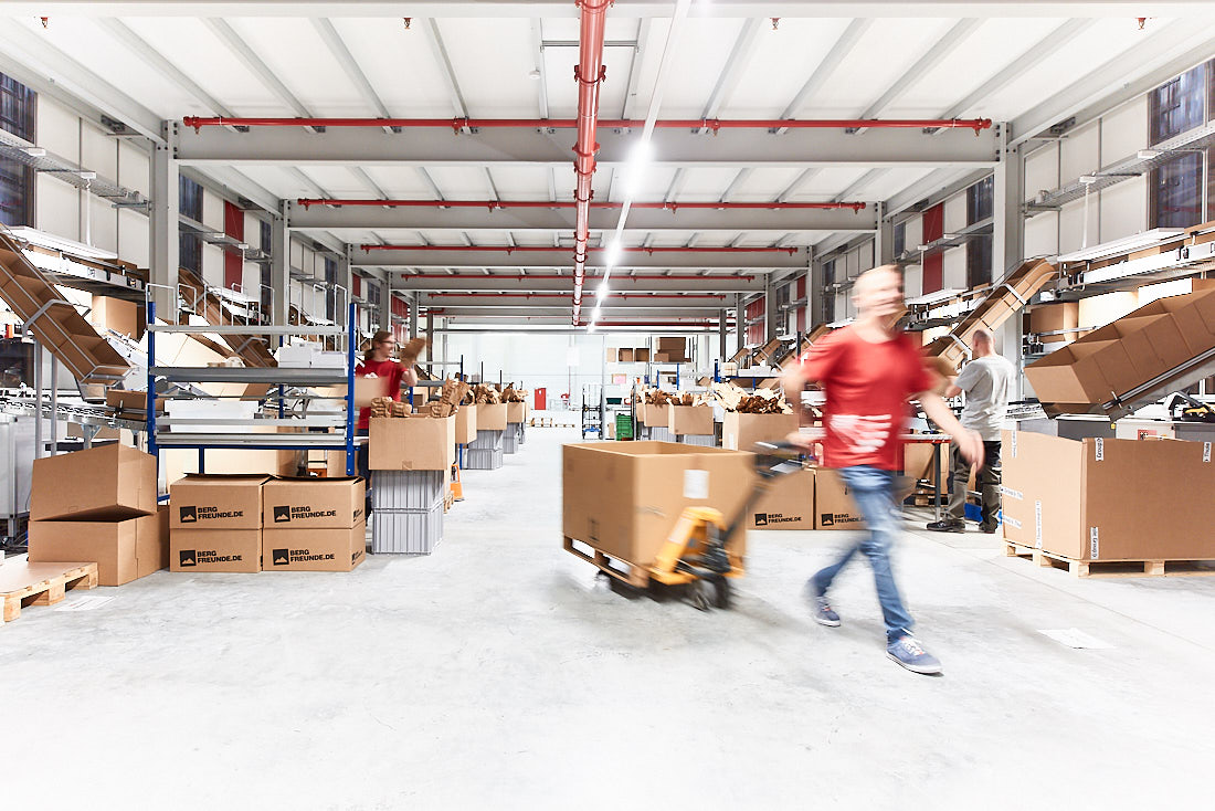 Logistikzentrum: fotograf für unternehmensreportage, Reutlingen, Stuttgart, Baden Württemberg