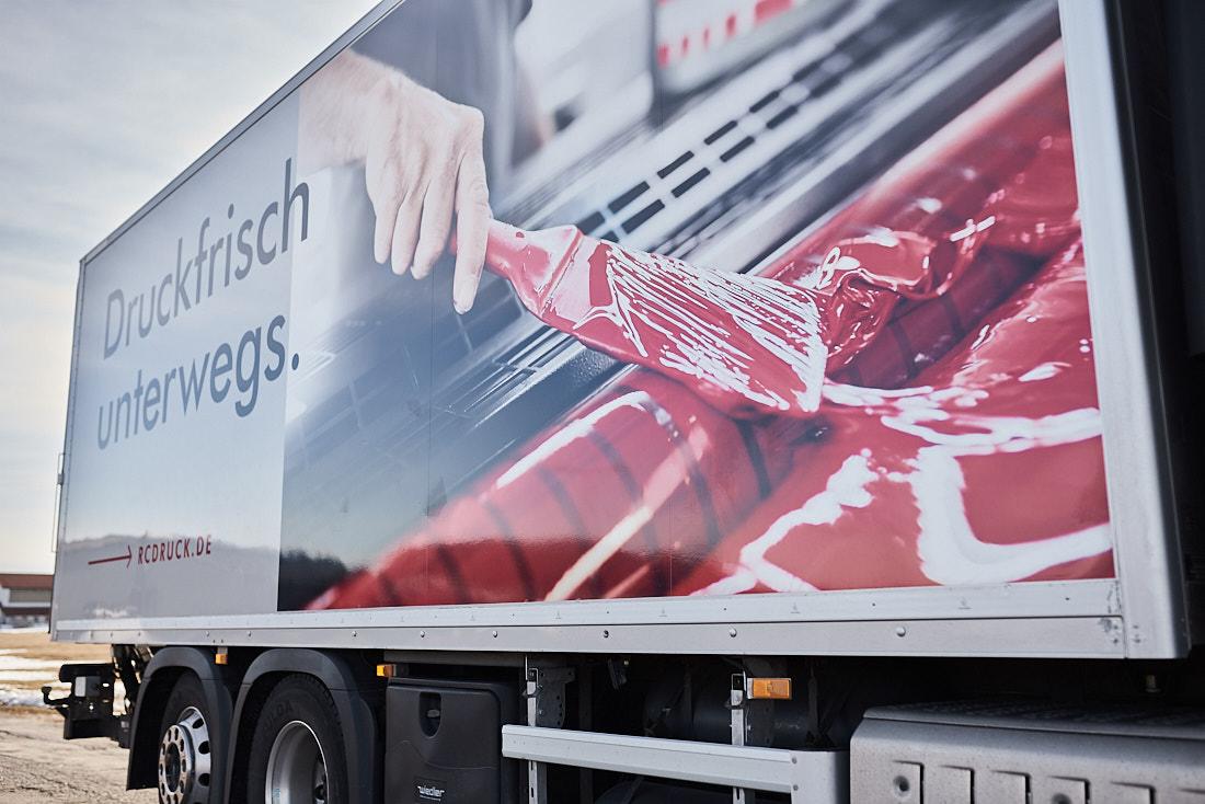Werbefotos-auf-LKW_Werbefotograf-fuer-Grossflaechen_Albstadt_Bodenseekreis_Zollernalb_Stuttgart