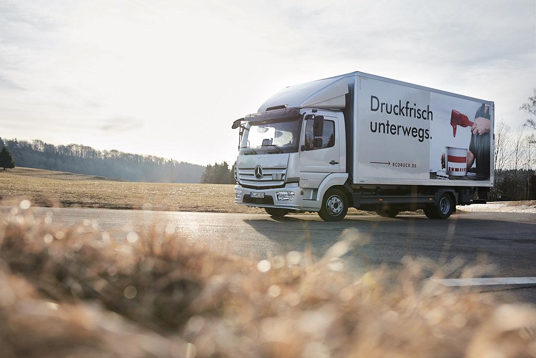 Werbekampagne, Werbefotograf, Werbefotos-auf-LKW_Werbefotograf-fuer-Grossflaechen_Albstadt_Bodenseekreis_Zollernalb_Stuttgart