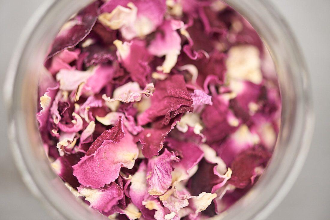 authentische Werbefotografie für Natur-Hersteller und Manufakturen, Teeherstellung in Sueddeutschland, Fotograf fuer authentische Marken