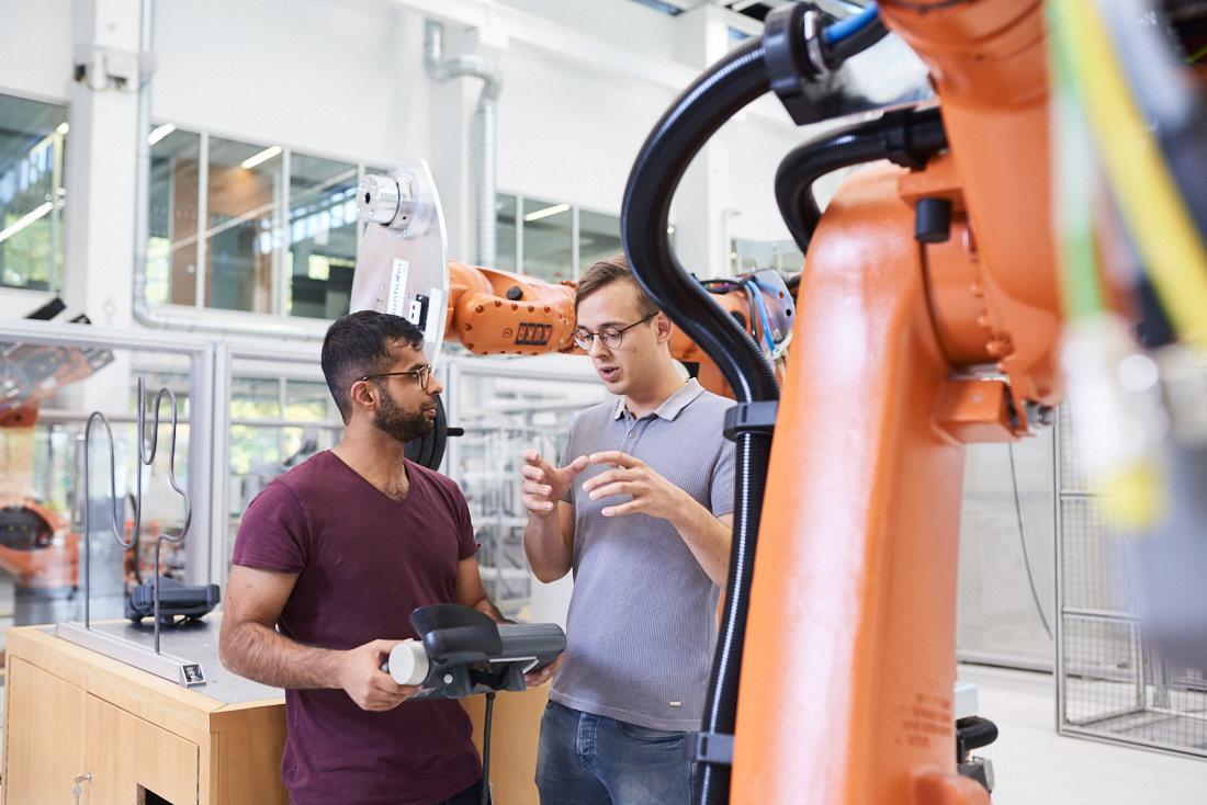 industriefotografie kuka roboter, produktion, kuka